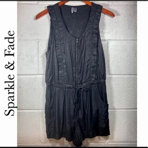 Sparkle & Fade / UO Ruffle Zip Front Romper